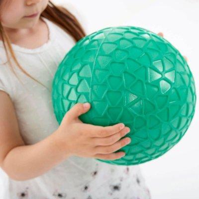 TICKIT Žoga za otroke Easy Grip - rumena
